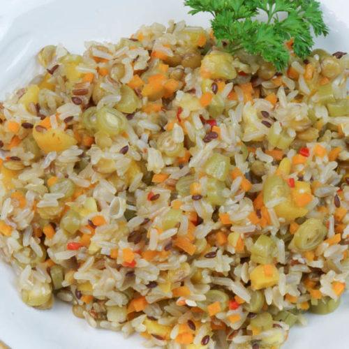 Arroz 8 grãos com damasco, cenoura e vagem