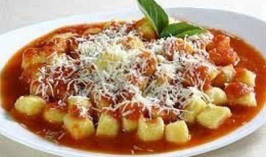 Gnocchi de Batata Com Molho de Carne Moída
